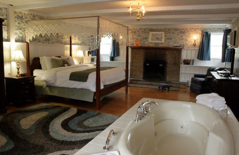 Suite Interior at Yankee Inn