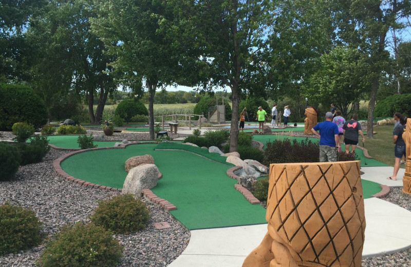 Mini golf near Spicer Green Lake Resort.