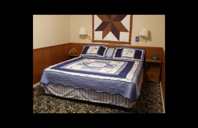 Inn bedroom at Birch Bay Resort.