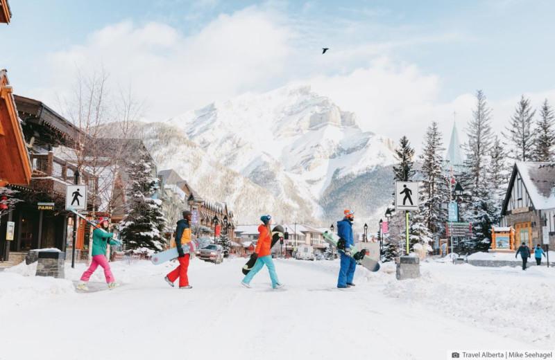 Family ski at Inns of Banff.