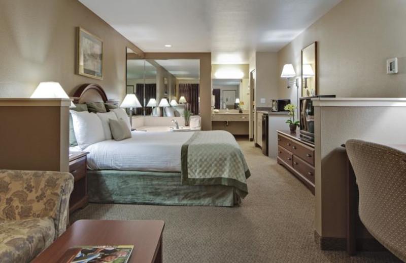 Jacuzzi suite at Hawthorn Inn & Suites.