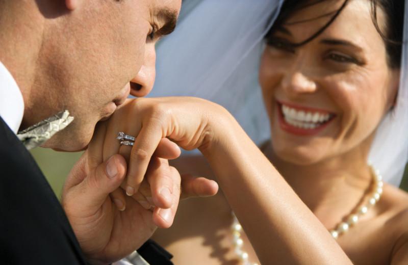 Weddings at Buffalo Point Resort.