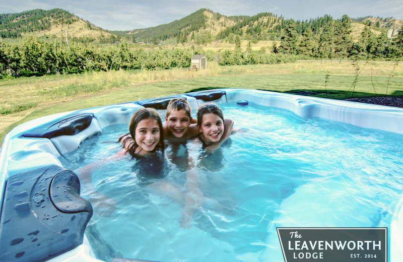 Hot tub at The Leavenworth Lodge.