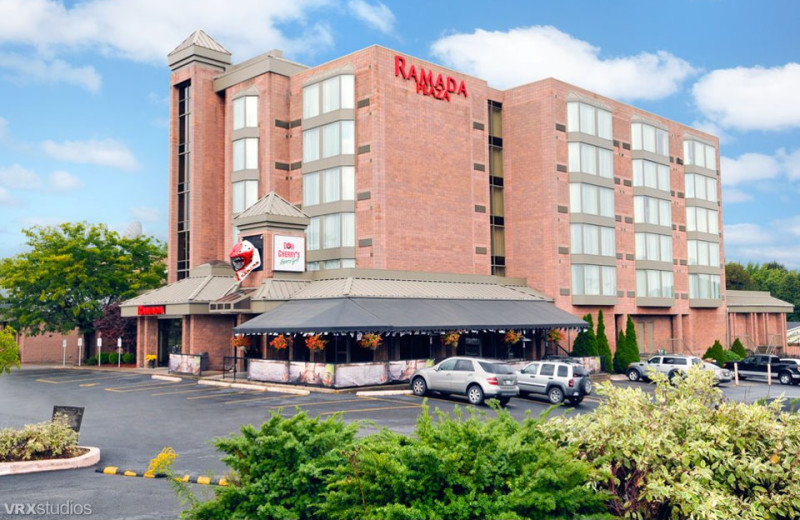Welcome to the Ramada Plaza Niagara Falls