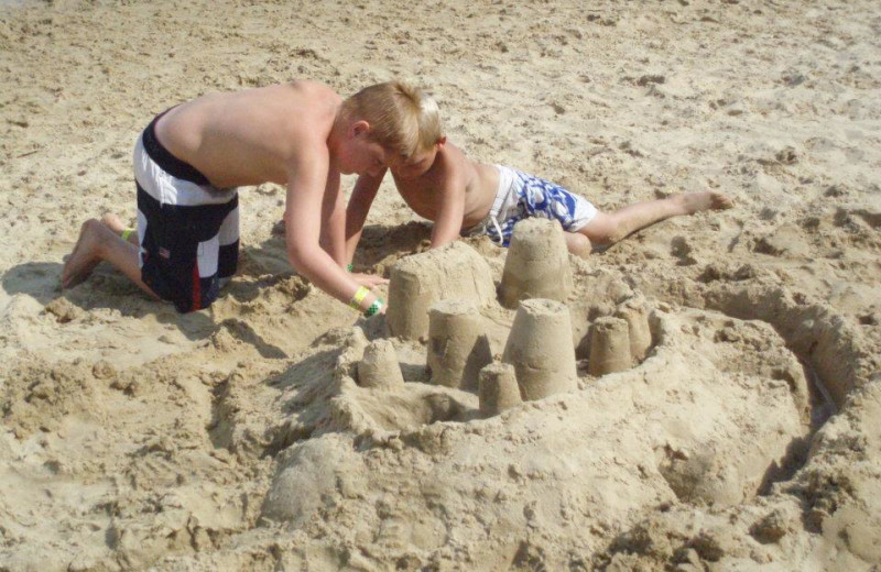 Building a sand castle at Bay View Lodge.