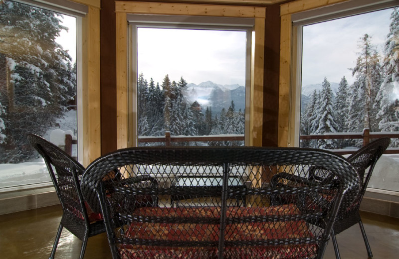 Rental patio at Cedar House Restaurant & Chalets.