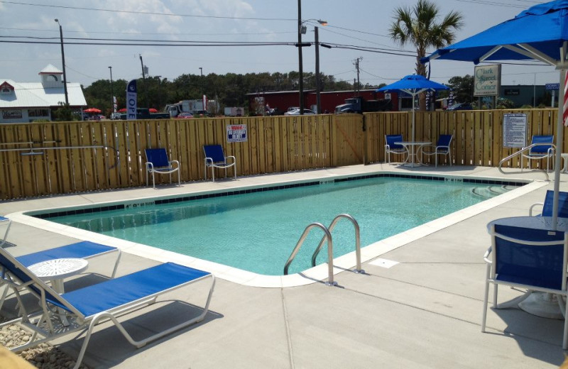 Outdoor pool at Outer Banks Inn.