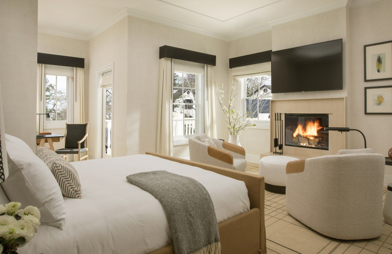 Guest room at MacArthur Place.