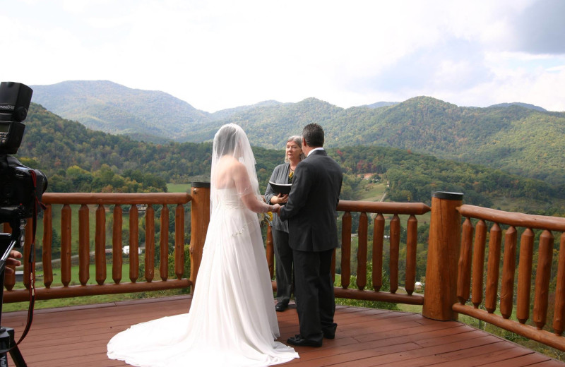 Weddings at Wildberry Lodge.