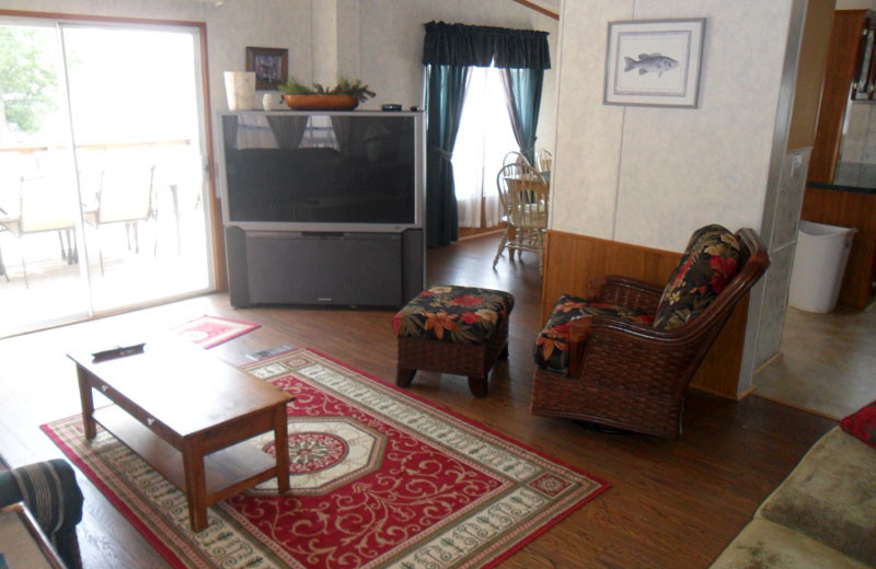 Cottage living room at King Creek Resort & Marina.
