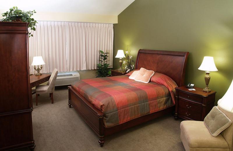 Guest room at Little Creek Casino Resort.