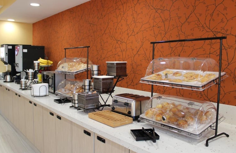 Continental Breakfast at Best Western Plus Fresno Airport Hotel