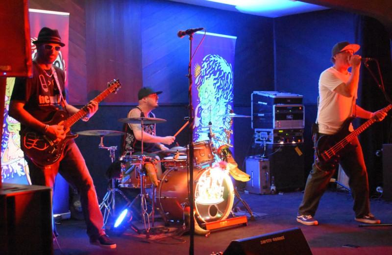 Live music at Havasu Springs Resort.