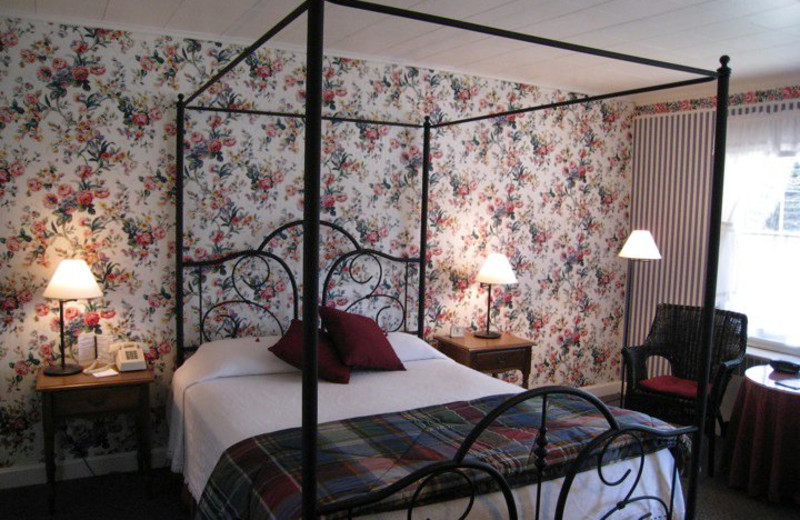 Guest Room at Pondside Country Motel