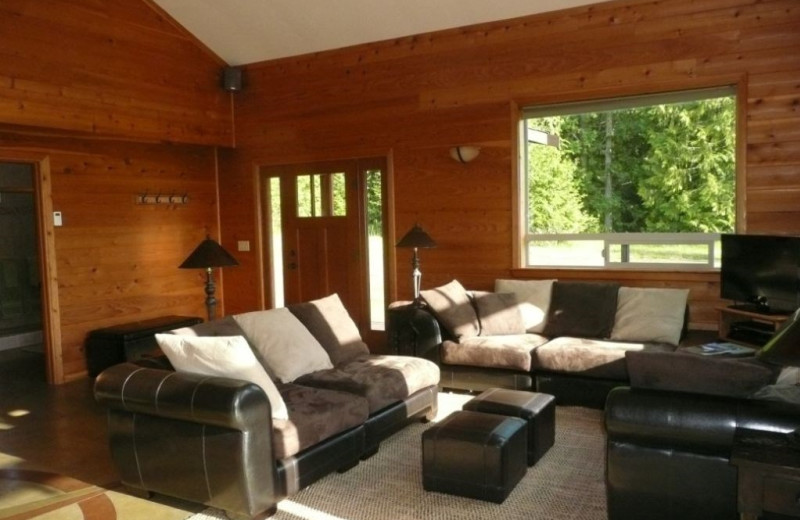 Cabin living room at Olympic View Cabins.