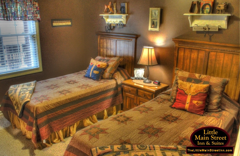 Guest room at Little Main Street Inn.