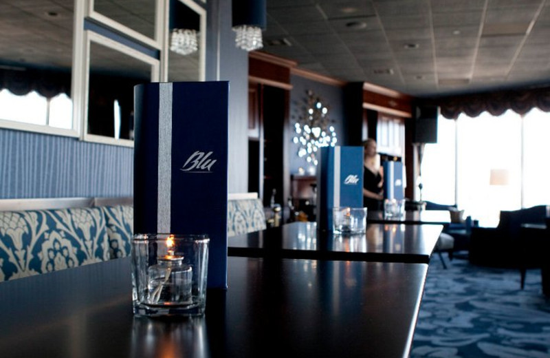 Bar and Restaurant at Pfister Hotel