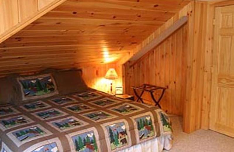 Lake House Bedroom at Moosebirds Bed and Breakfast