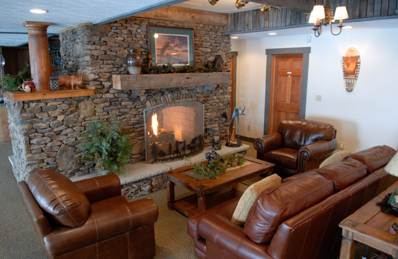 Business lounge at Pine Lakes Lodge.