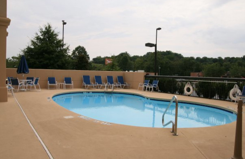 Outdoor Pool at the Hampton Inn at Wilkesboro