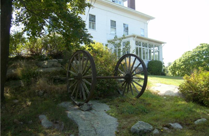 Exterior View of Cove Ledge Inn