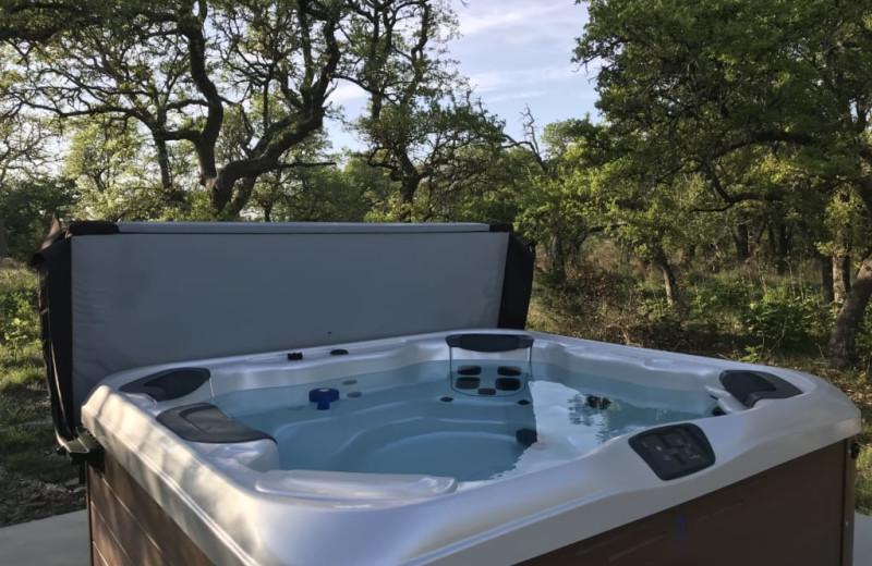 Hot tub at Walnut Canyon Cabins.