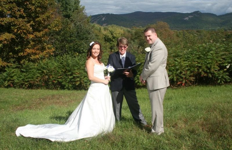 Elopements and small weddings at Farm by the River Bed & Breakfast. Packages available.