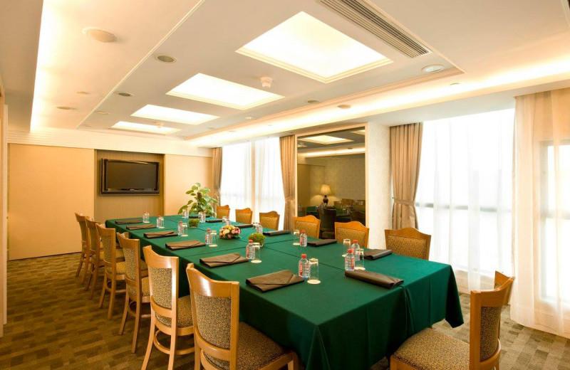 Meeting room at Bishop Lei International House.