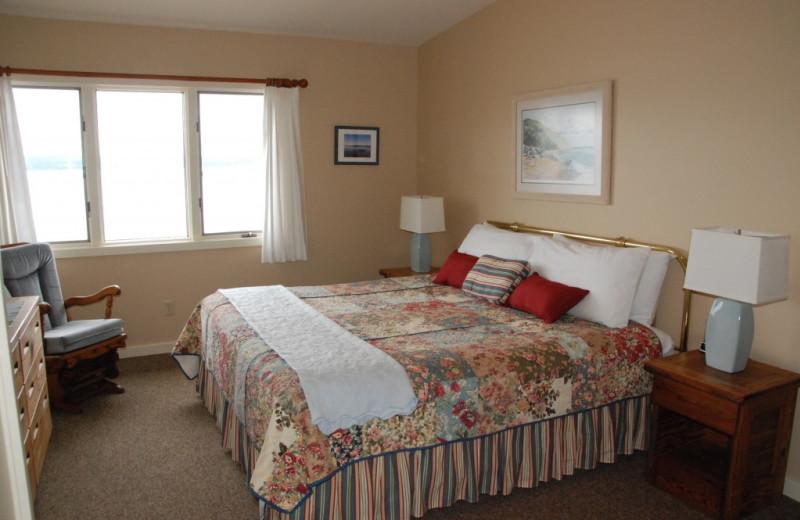 Bedroom at Chimney Corners Resort.