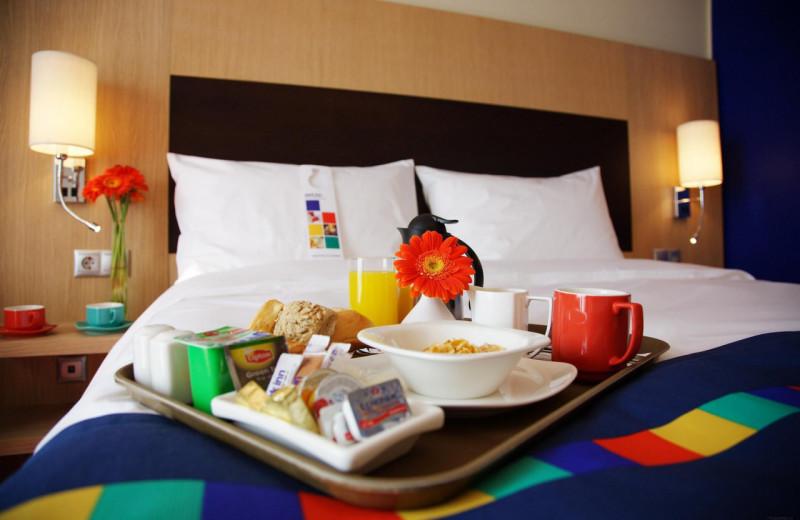 Guest room at Radisson Suites Hotel Covina.