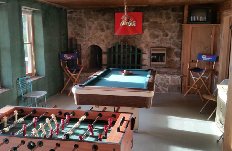 Rental game room at Dale Hollow Cabins.