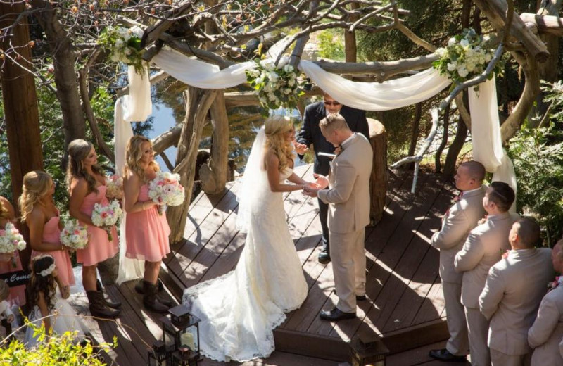 Weddings at Arrowhead Pine Rose Cabins.