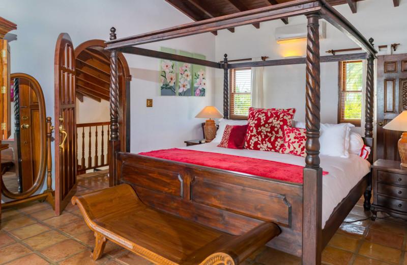 Rental bedroom at Villa Coyaba.