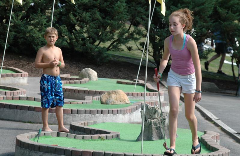 Mini golf at Woodloch Resort.