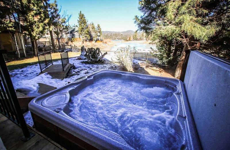 Rental hot tub at Big Bear Vacations.