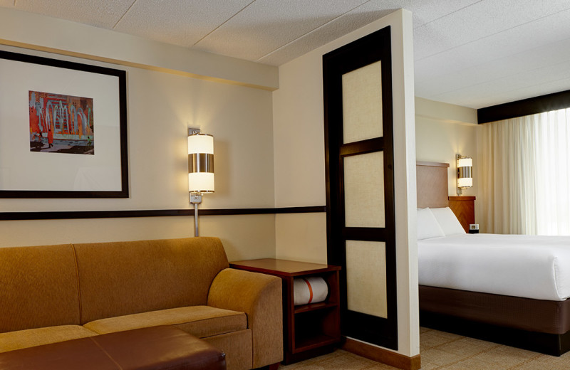 Guest room at Hyatt Place Tucson.