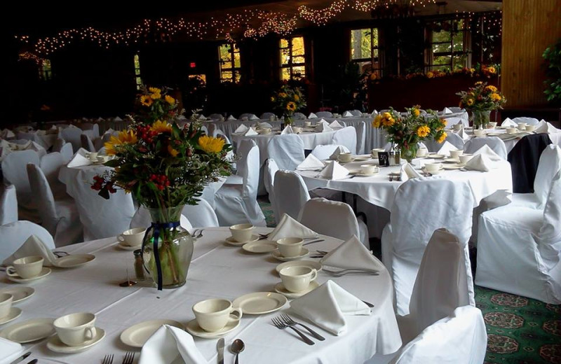 Weddings at Roaring Brook Tennis and Ranch Resort