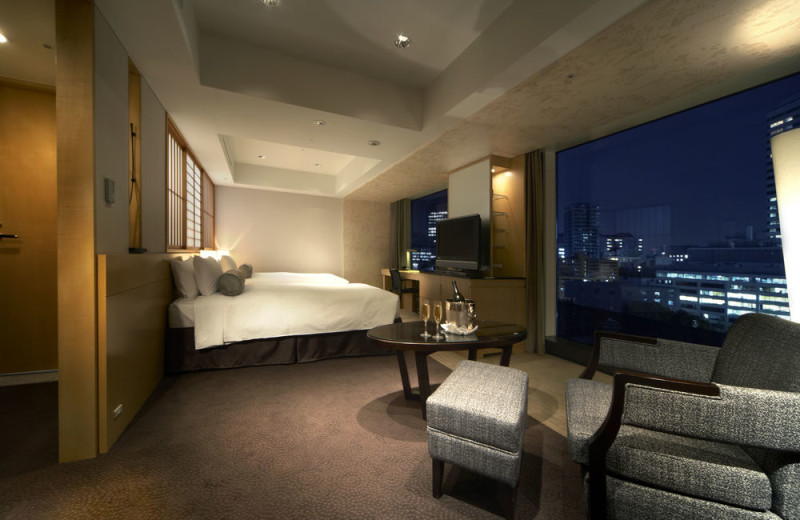 Guest room at Hotel New Otani.