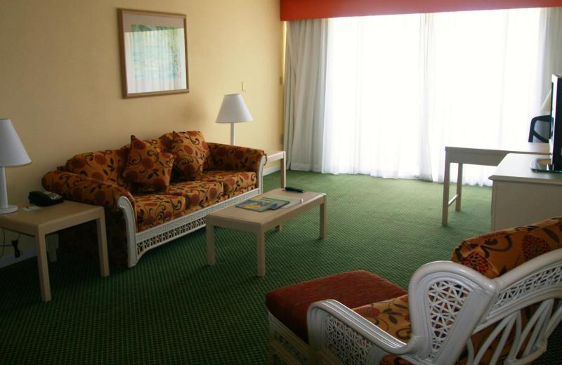 Guest living room at Hampton Inn & Suites Islamorada.