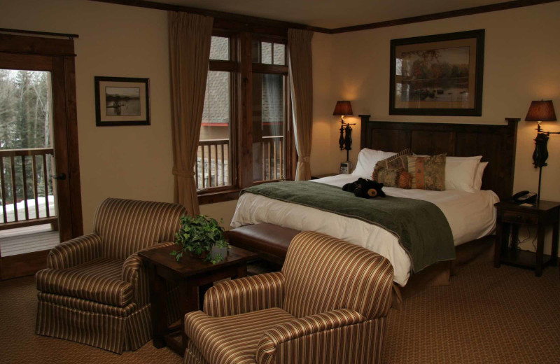Guest room at The Lodge at Whitefish Lake.