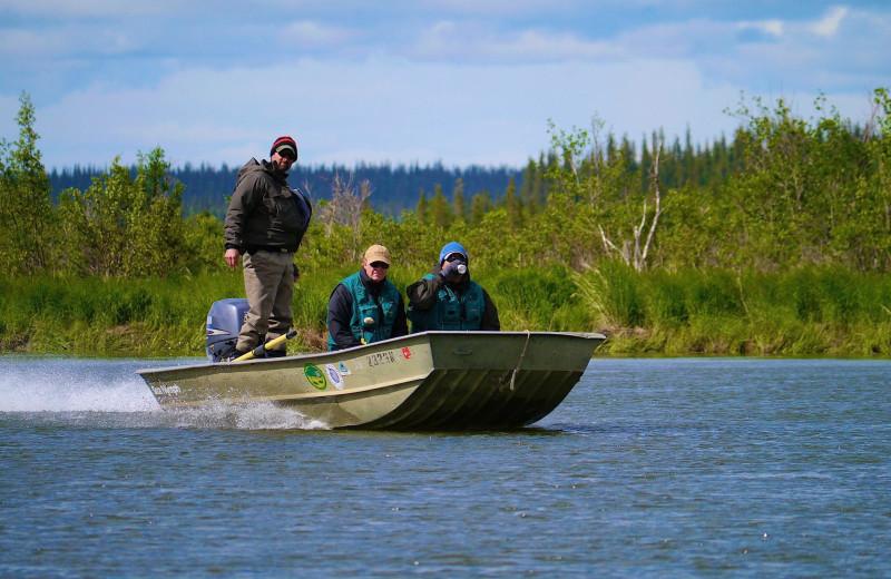 Boating at Alaska Rainbow Lodge.