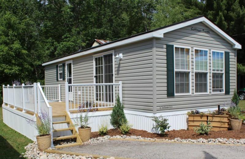 Cabin exterior at Shamrock Bay Resort.