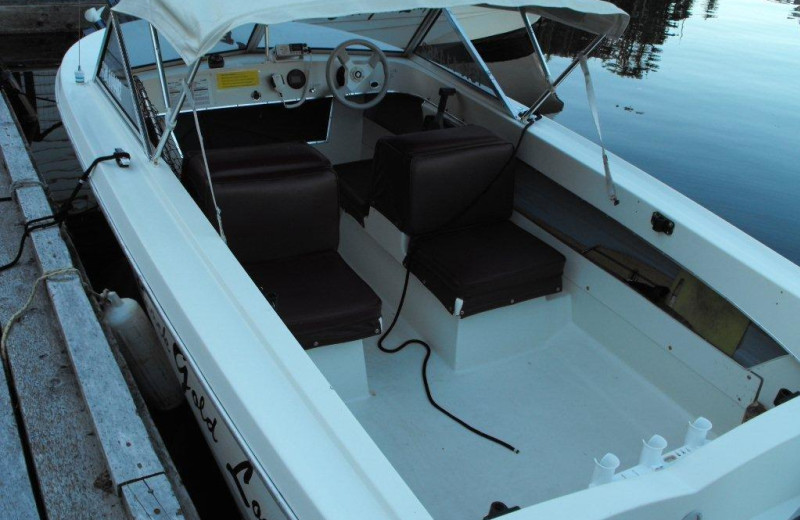 Boat rental at Black Gold Lodge