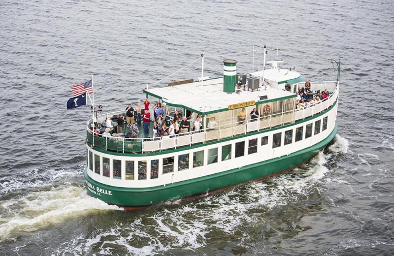 Cruise near East Islands Rentals.