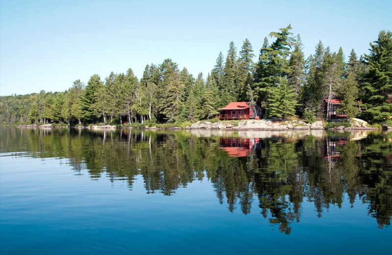Exterior view of Killarney Lodge in Algonquin Park.