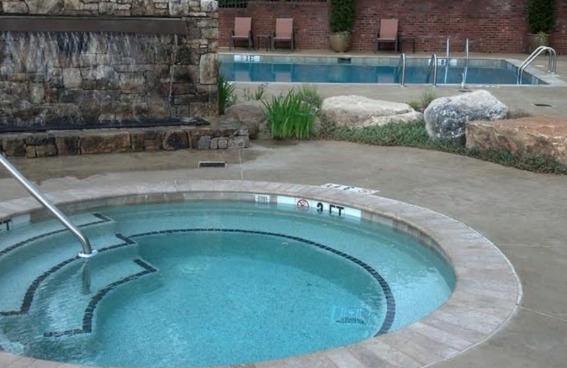 Outdoor whirlpool at The Residences at Biltmore.
