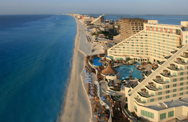 Exterior view of Me Cancun.