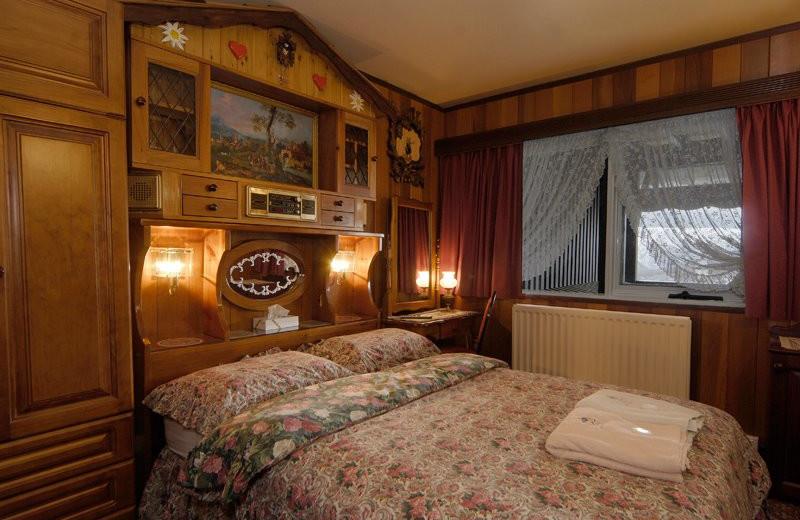 Guest room at Karelia Alpine Lodge.