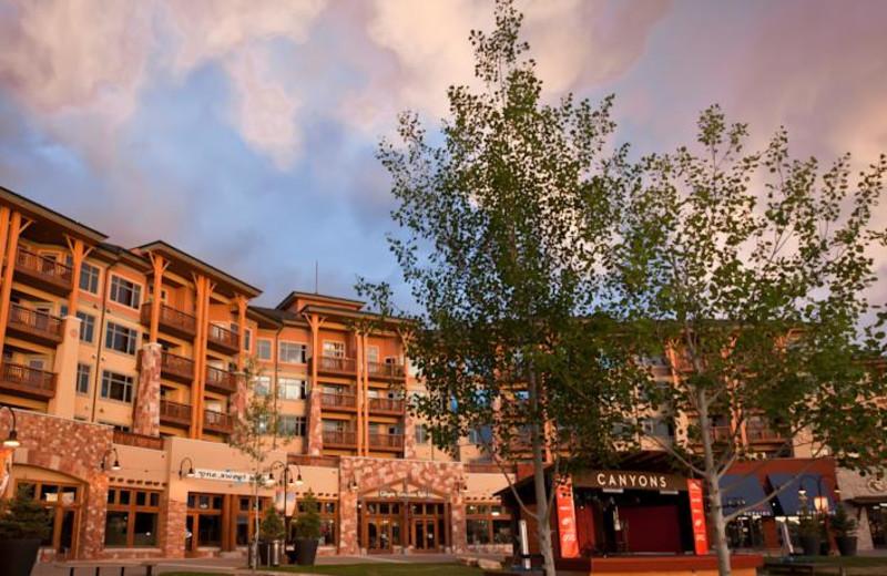 Exterior view of All Seasons Resort Lodging.