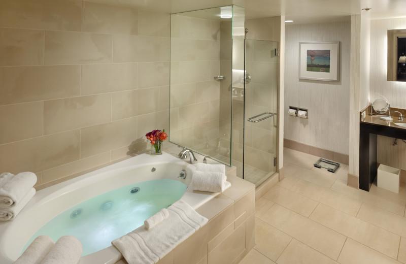 Guest bathroom at Parc 55 Wyndam.